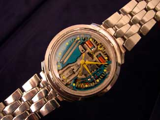 "Yellow ""B"" Accutron Spaceview with Coffin Link Bracelet"